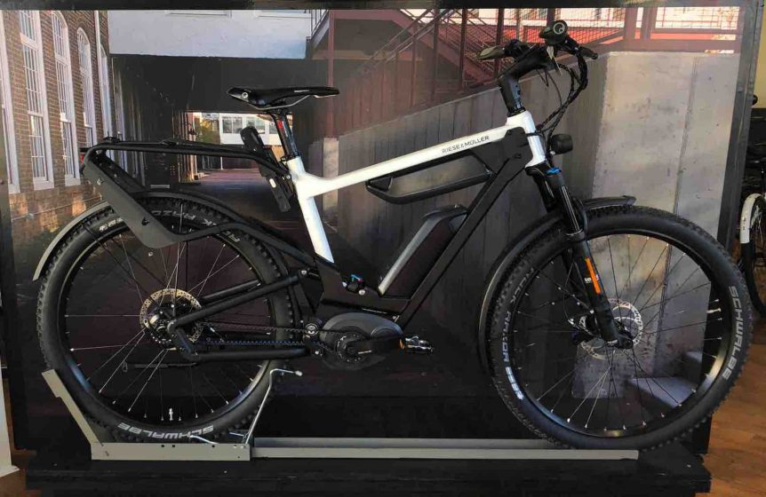 Riese and Muller Delite GX Mountain E14 Rohloff Class 3