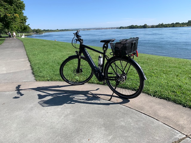 Harry is on the Riverfront Trail in Richland WA, eBike, BULLS Lacuba