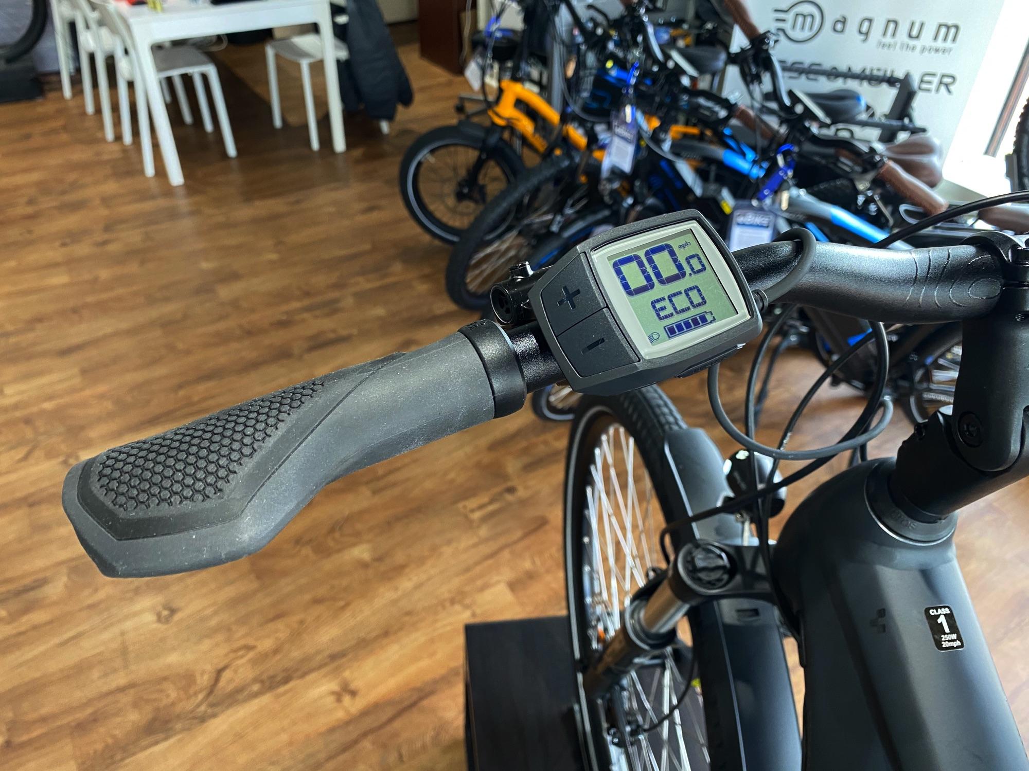 CUBE Kathmandu Hybrid One 500, Urban eBike